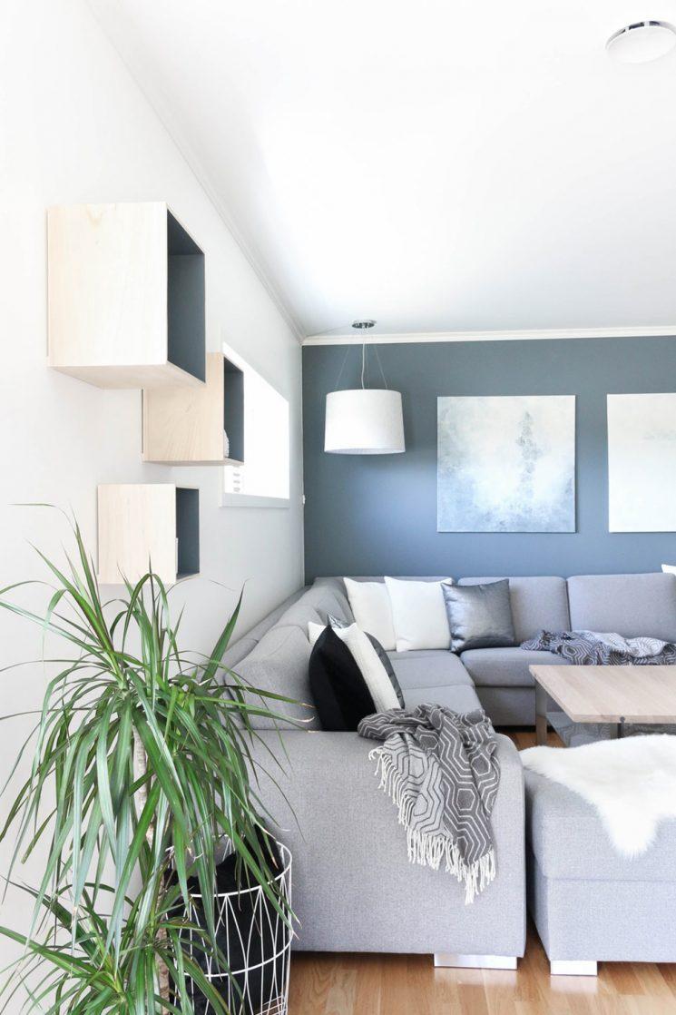 Opter pour un mur de couleur en déco | Un mur bleu grisé