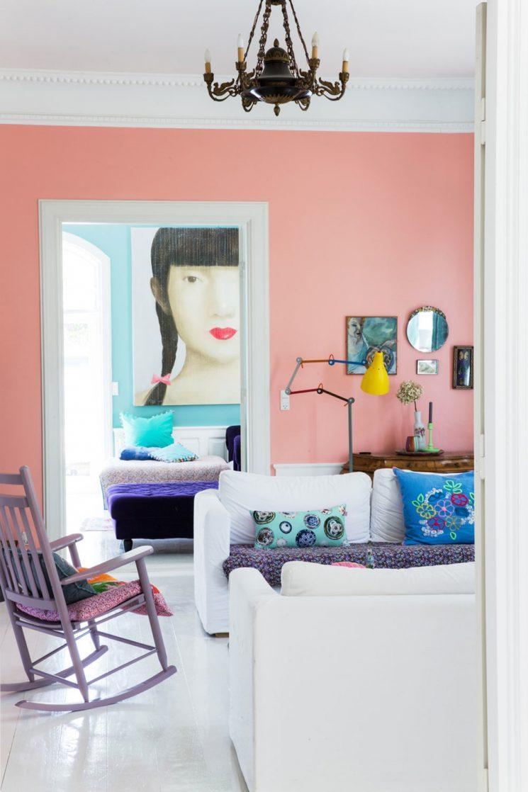 Opter pour un mur de couleur en déco | Un mur rose pétant