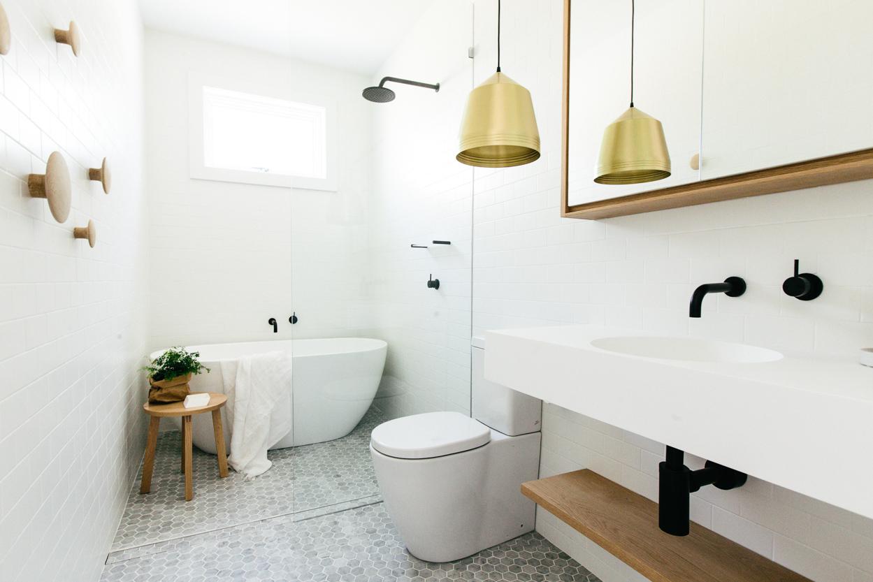 Pour une salle de bains scandinave monochrome - Salle de bain scandinave ...