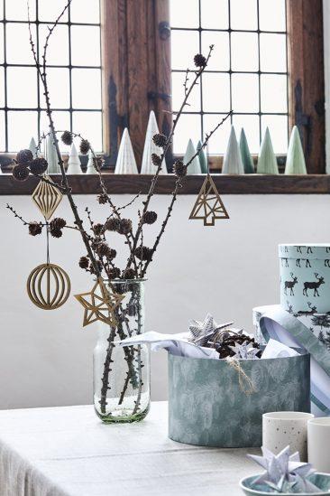 on s 39 inspire des catalogues scandinaves 2016 pour no l. Black Bedroom Furniture Sets. Home Design Ideas
