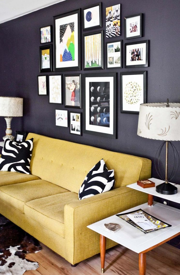 Comment assortir son décor à un canapé moutarde ? | Emma's living room Beautiful Mess
