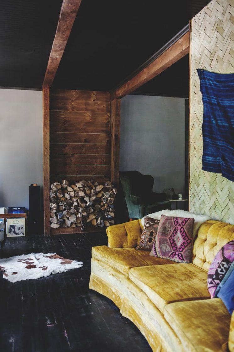 Comment assortir son décor à un canapé moutarde ?   Ardenwray decor