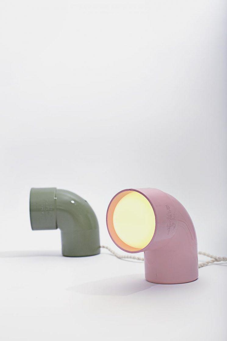 Lumière ! 16 luminaires design à réaliser soi même par Le Grand Appartement || Lampe à poser Plastic Show Off