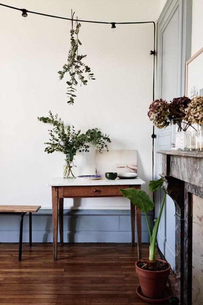Décorez avec des bouquets de fleurs séchés | L'appartement d'Aurélie Lécuyer à Nantes