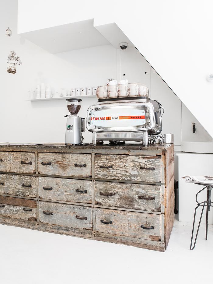 Le concept store blanc immaculé à Amsterdam Cottoncake |Photo : Sonja Velda