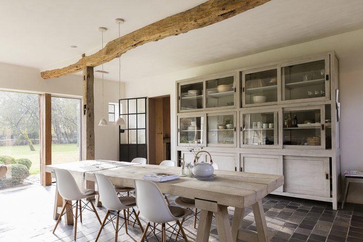 on apprivoise ou on relooke ce sol en terre cuite. Black Bedroom Furniture Sets. Home Design Ideas