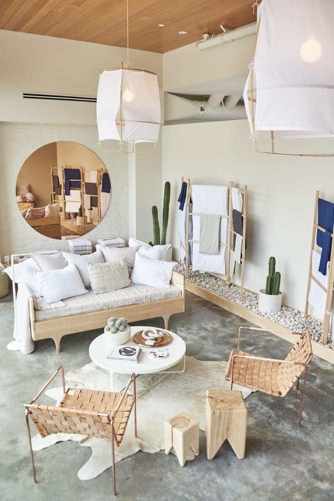 Découvrir Kalon studios meubles design écologiques || Parachute hôtel à Venice L.A.