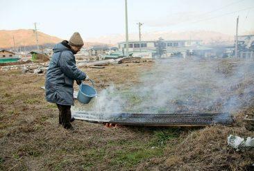 La technique du bois brûlé ou Shou Sugi Ban mise en oeuvre par l'architecte Terunobu Fujimori