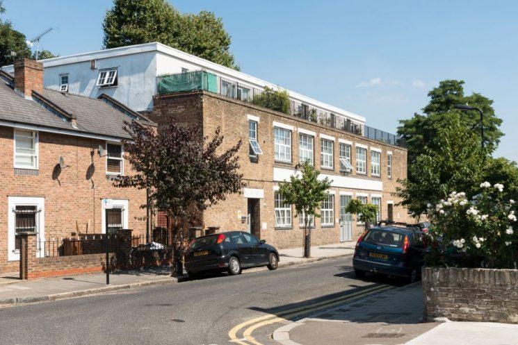 Leçon de travaux par le duo Bentley Hagen Hall - Wilton way à Londres