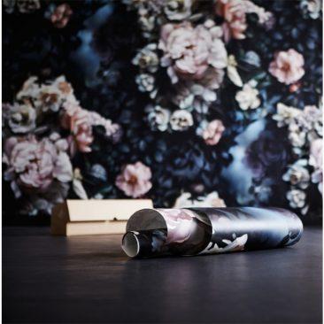 """Les papiers-peints """"dark floral"""" par Ellie Cashman - Shadows Blue"""