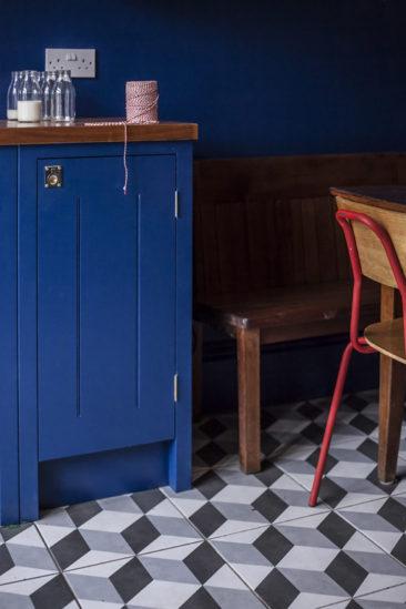Une cuisine bleue par British Standard