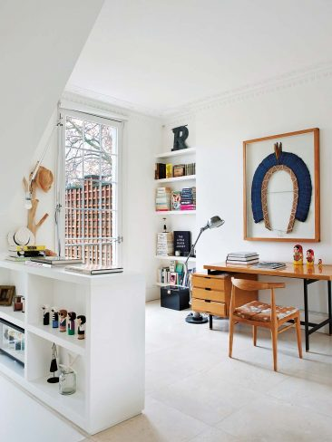 La maison blanche haute en couleur de Fanny Moizant, vestiaire collective à Londres