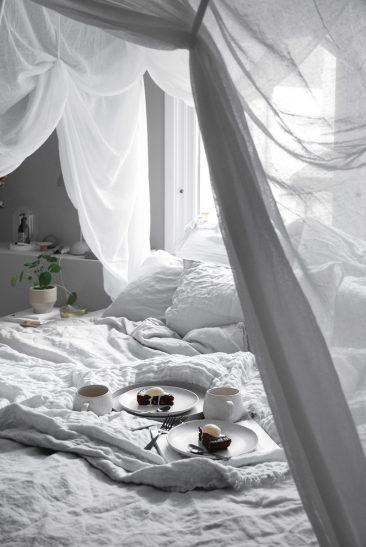 Décor blanc et ambiance hygge chez la blogueuse Katerina Dima onlydecolove.com