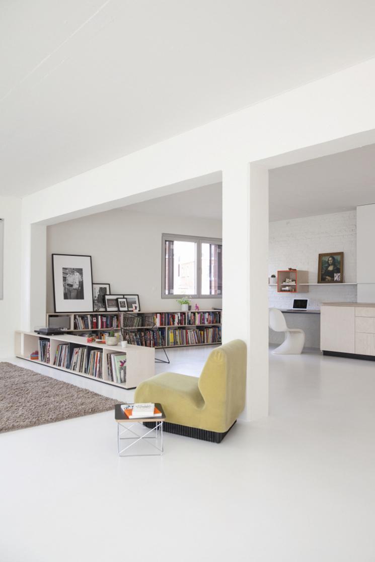 Les agencements colorés et scénographiés de l'architecte designer Dries Otten || Projet Auwegemvaart