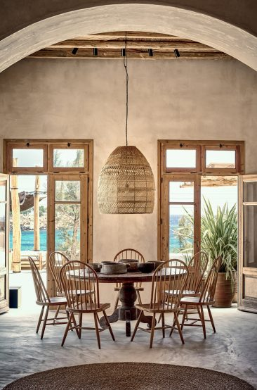 La décoration ethnique et wabi sabi || Hôtel Scorpios sur l'île grcque de Mykonos