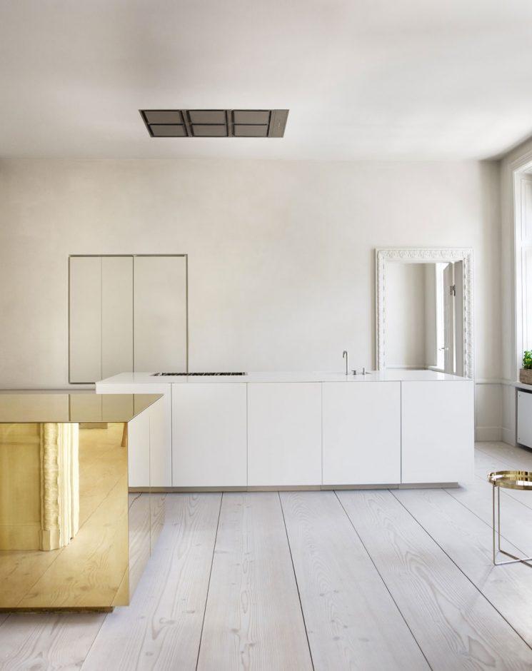 Du laiton dans la cuisine : bling ou mat ? | Claesson Koivisto Rune