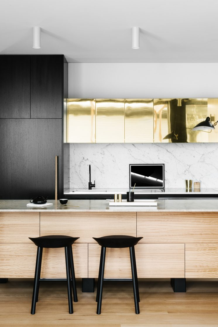 Du laiton dans la cuisine : bling ou mat ? | Park street par Fiona Lynch