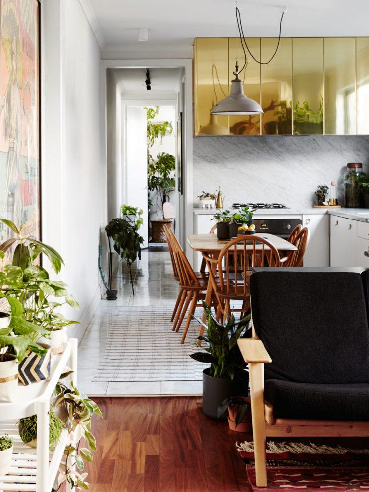 Du laiton dans la cuisine : bling ou mat ? | Jason Chongue et Nathan Smith house