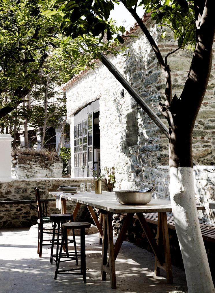 Une terrasse en Méditerranée // Maison en Grèce à Lesbos