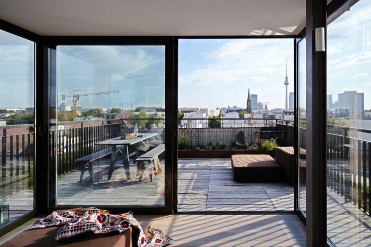 Un appartement privé à Berlin aux accents ethniques par Annabell Kutucu