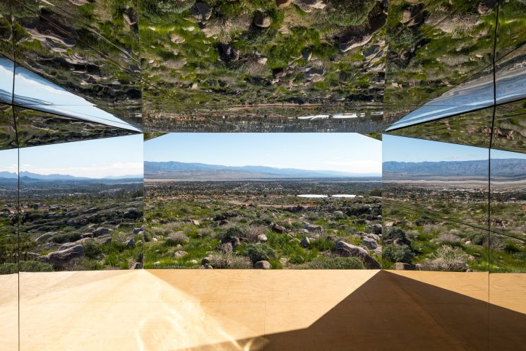 Mirage de l'artiste Doug Aitken - Land Art - Désert de Coachella, Californie
