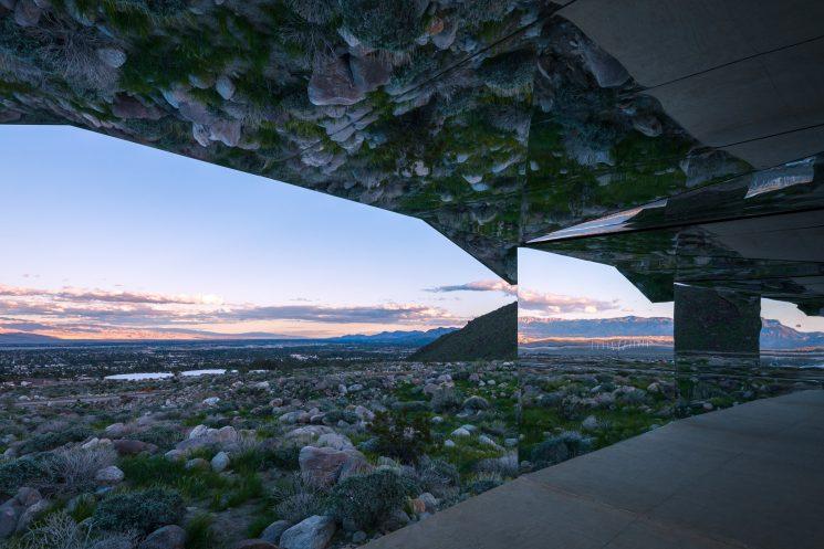 Mirage de l'artiste Doug Aitken - Land Art - Désert de Coachella, Californie