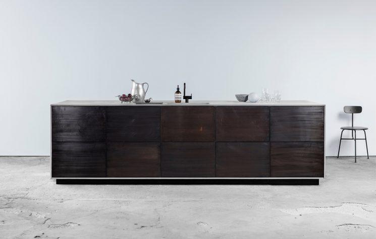 Reform ou comment relooker une cuisine Ikea - Cuisine Norm Architects en chêne fumé scié