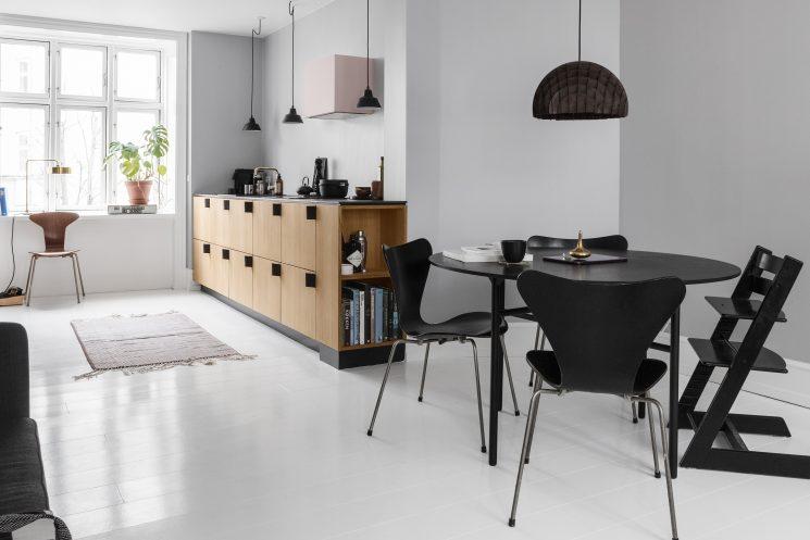 Reform ou comment relooker une cuisine Ikea - Cuisine Bjarke Ingels Group avec des poignées en ceinture de sécurité