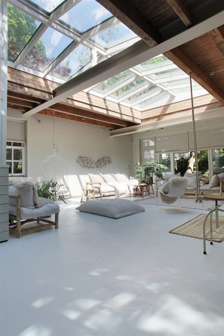 Verrières de toit, faites entrer la lumière || Un loft à Amsterdam