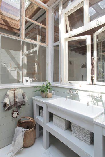 Le loft baigné de lumière dirène mertens à amsterdam propriétaire de sukha