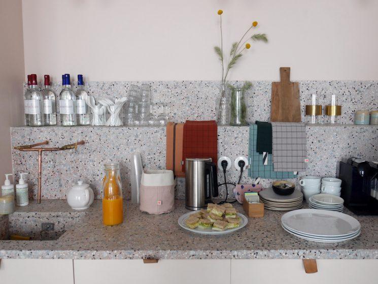 cerise sur le gateau deco secrets culinaires g teaux et. Black Bedroom Furniture Sets. Home Design Ideas
