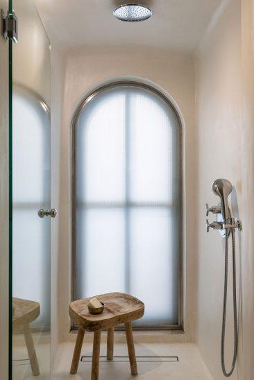 En blanc et bleu : Porto Fira Suites à Santorin