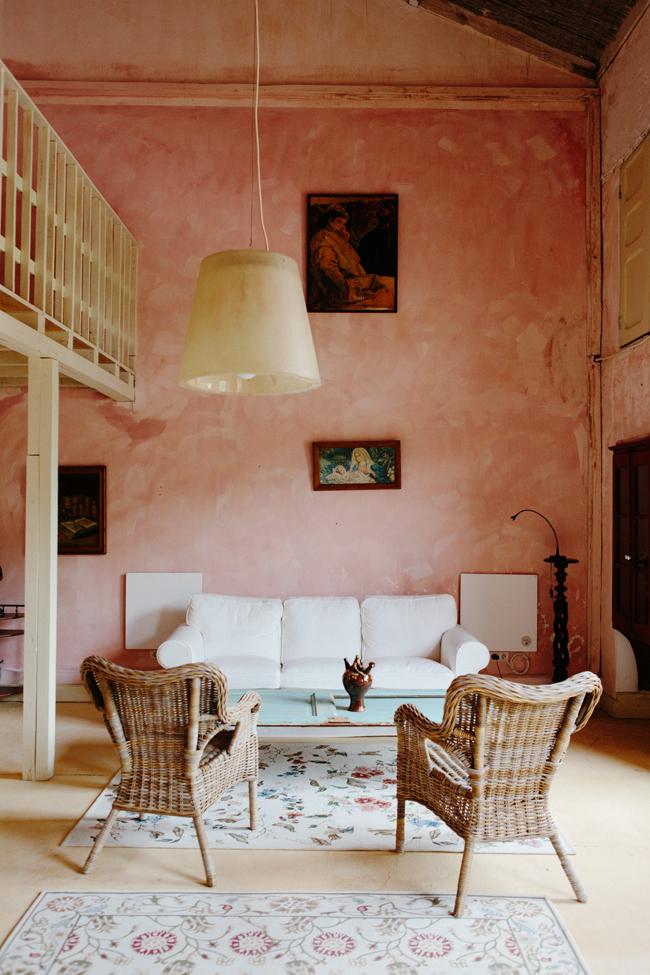 Un mur patiné de rose au Portugal par cannellevanille.com