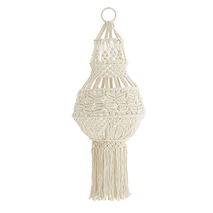 https://www.turbulences-deco.fr/wp-content/uploads/2017/08/decoclico_Suspension-en-coton-macrame-ecru-Madam-Stoltz.jpg