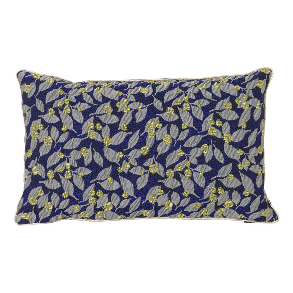 http://www.turbulences-deco.fr/wp-content/uploads/2017/08/smallable_coussin-dehoussable-fleurs-bleu-ferm-living.jpg
