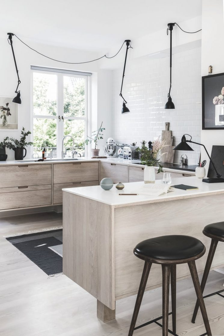[ Inspiration déco ] La déco neutre et nature || Une cuisine design et scandi avec de drôles de luminaires