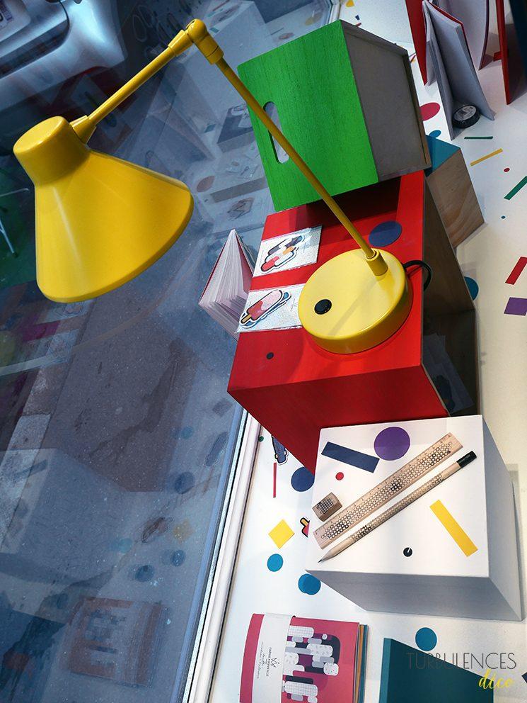 papier merveille de la papeterie qui affiche la couleur. Black Bedroom Furniture Sets. Home Design Ideas