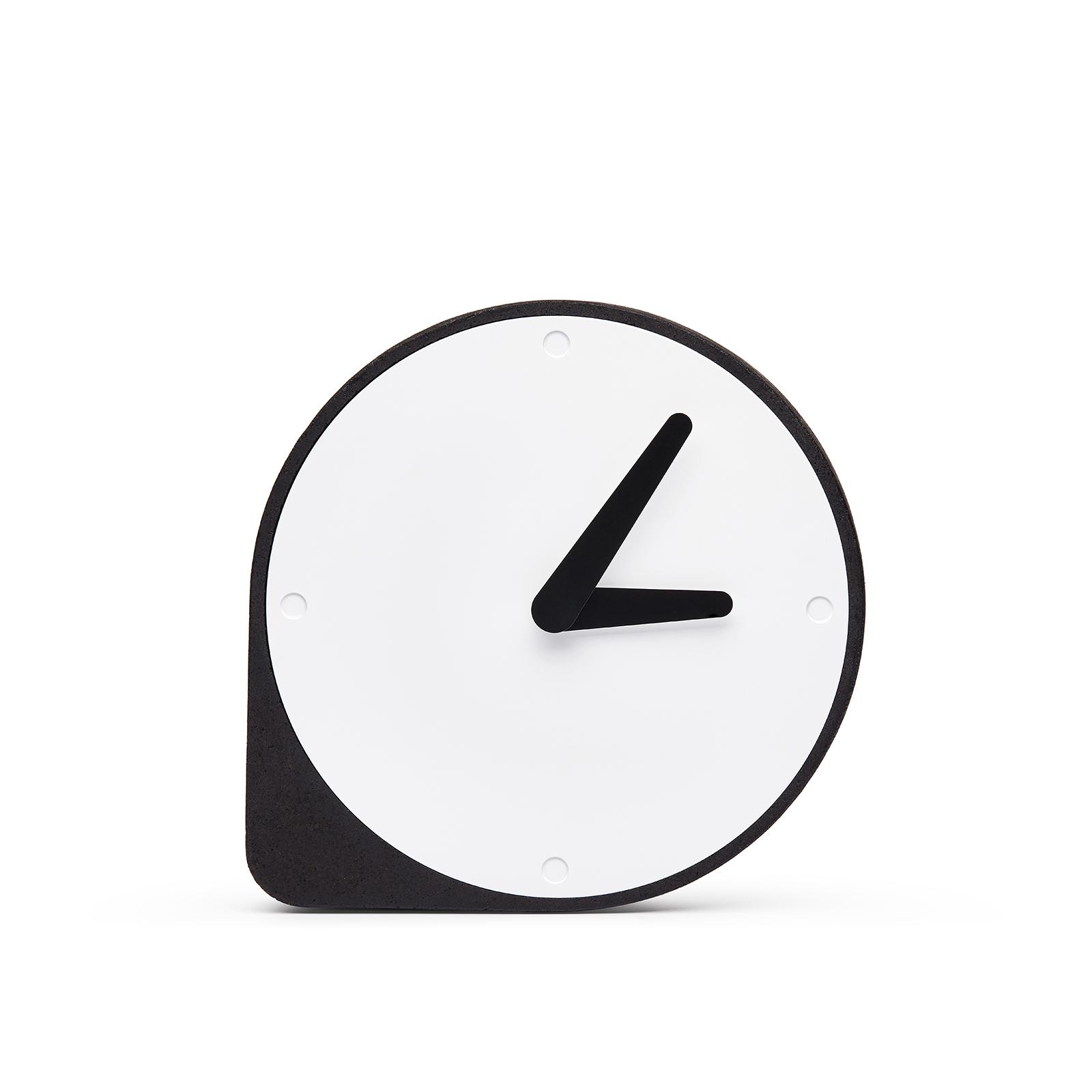 http://www.turbulences-deco.fr/wp-content/uploads/2017/10/puikdesign_horloge-clork.jpg