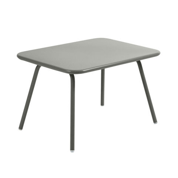 https://www.turbulences-deco.fr/wp-content/uploads/2017/12/madeindesign_table-enfant-luxembourg-kid-aluminium-fermob.jpg