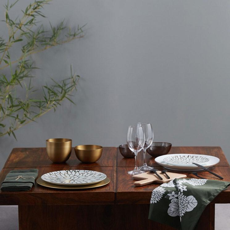 Une table de fête avec Monoprix