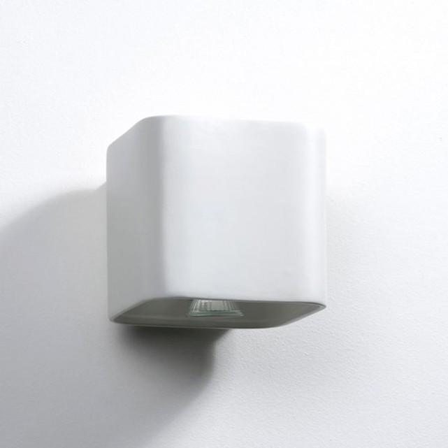 http://www.turbulences-deco.fr/wp-content/uploads/2018/01/AMPM_Applique-carree-ceramique-Debou.jpg