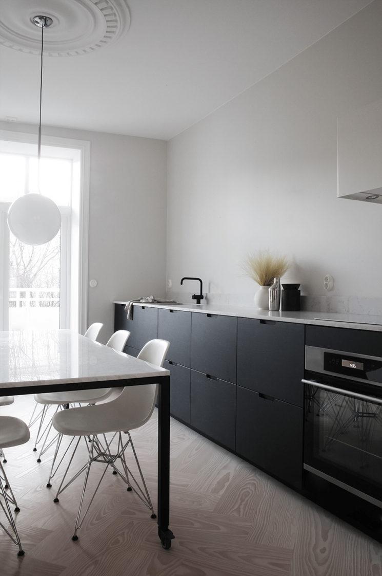 Quelques pistes pour une cuisine minimaliste = L'absence de placards hauts