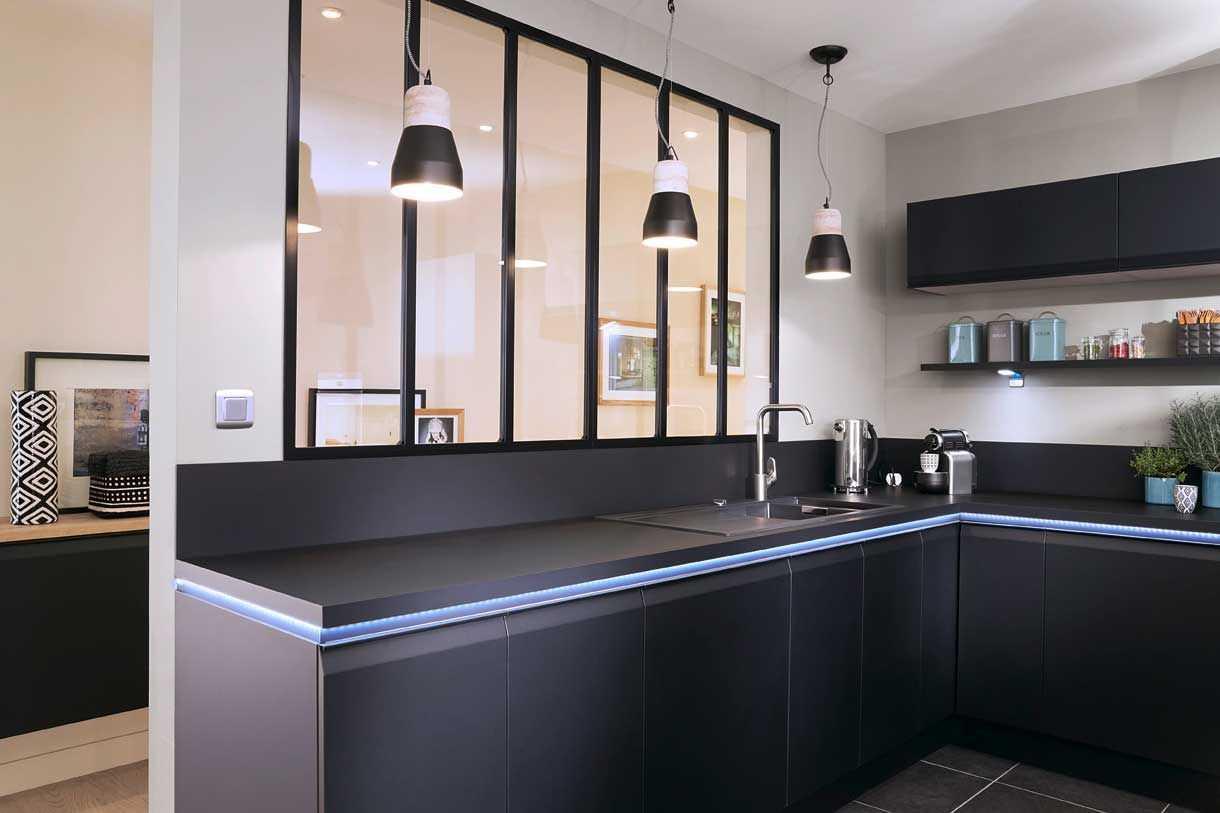 Ajouter Une Étagère Dans Un Placard quelques pistes pour optimiser les angles dans sa cuisine