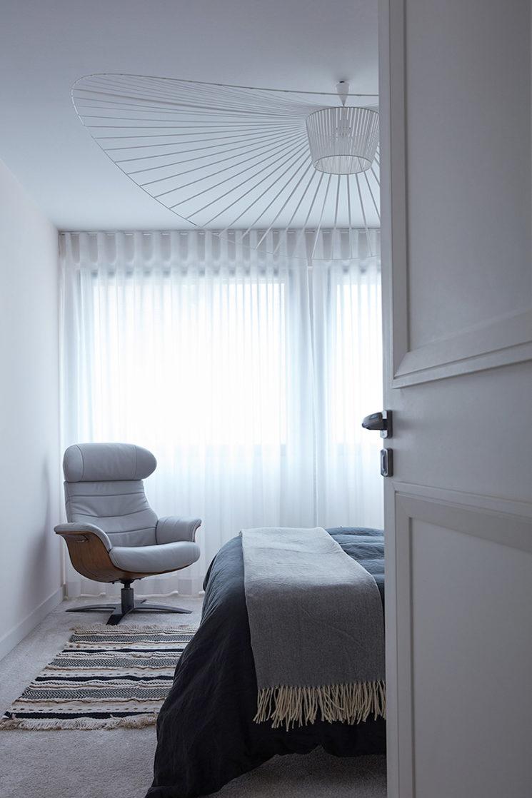 My New Design - Fauteuil relax en cuir blanc et chêne ANTARES