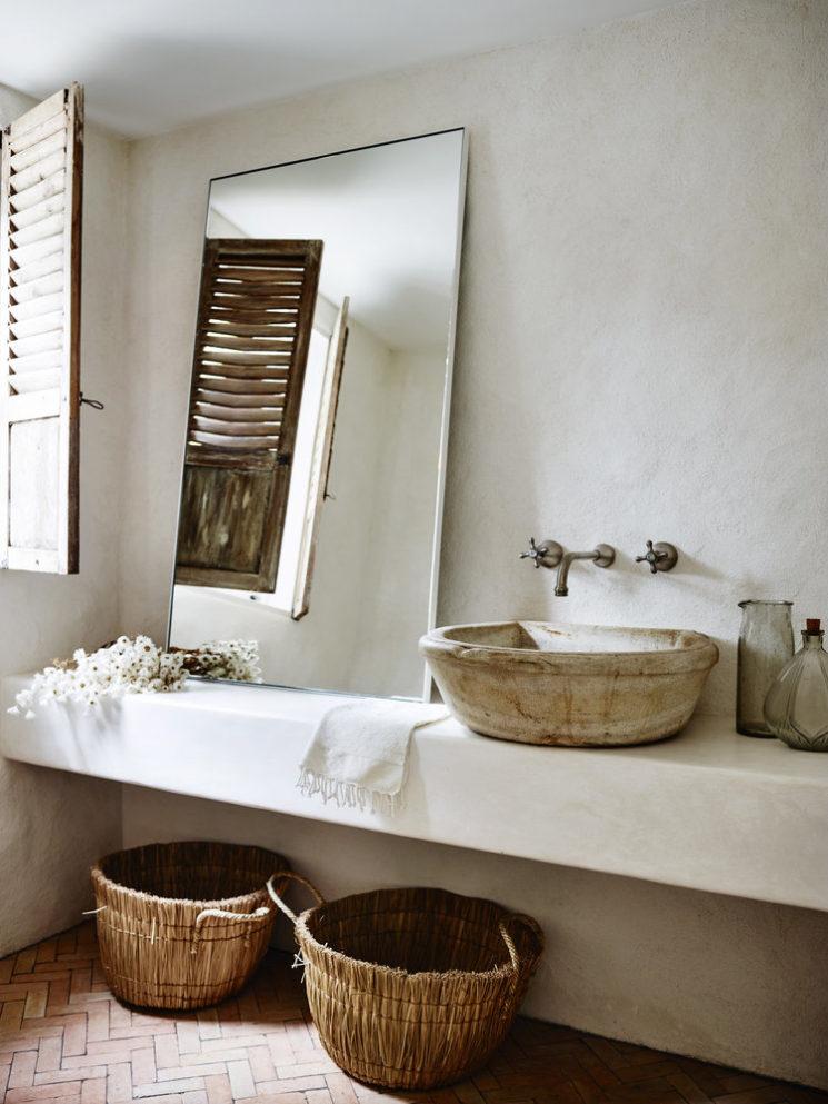 Quelques pistes pour adopter une salle de bain wabi sabi || Réalisation CM studio