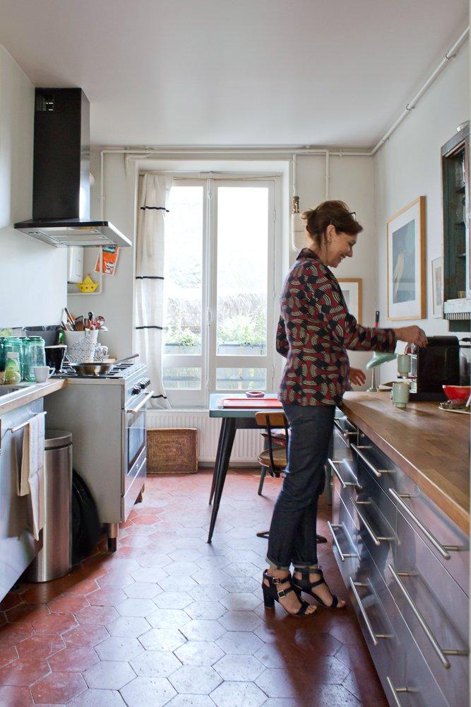 L'atout Tomettes en décoration d'intérieur || Petite cuisine parisienne en tomette