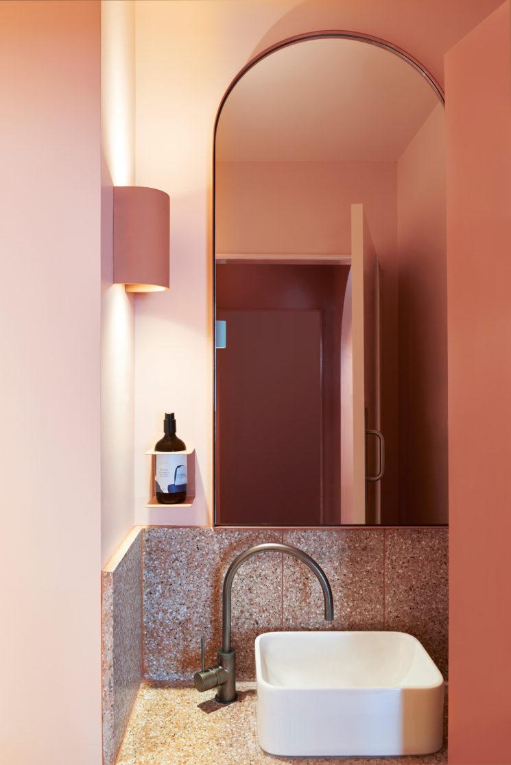 Terracotta mania, le rouge brique est partout || Restaurant Fonda à Bondi Beach - Concept : Studio Estata