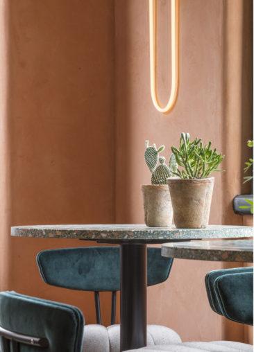Terracotta mania, le rouge brique est partout    Omar's place à Londre - Conception : studio Sella Concept