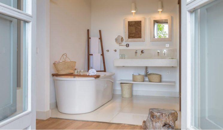 Une salle de bain de style bord de mer || Hôtel San Jaumell à Majorque