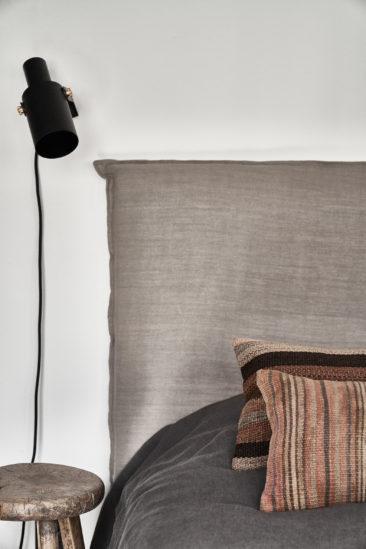 Tonalités wabi sabi et matières brutes || No ordinary apartment par Annabell Kutucu